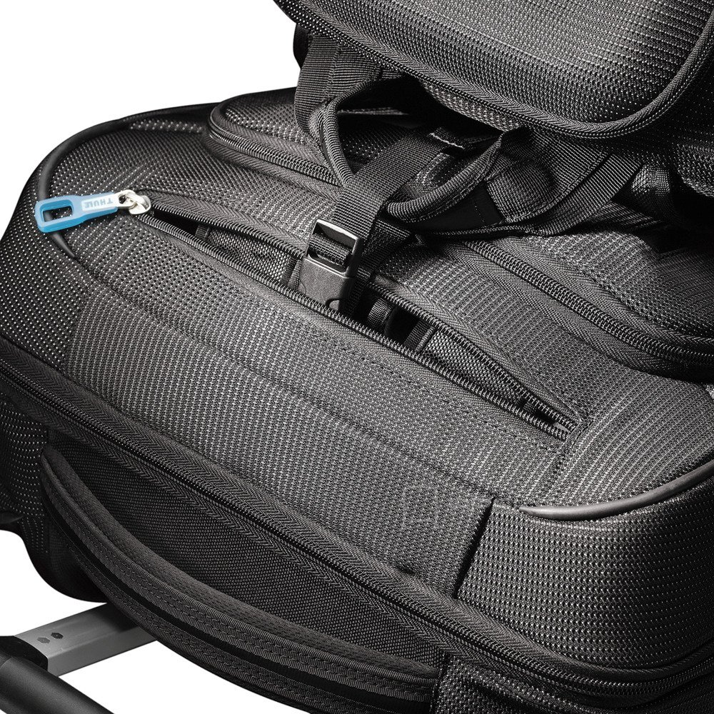 d6b5735af3bff ... Thule Crossover 38L Carry-on 56cm/22
